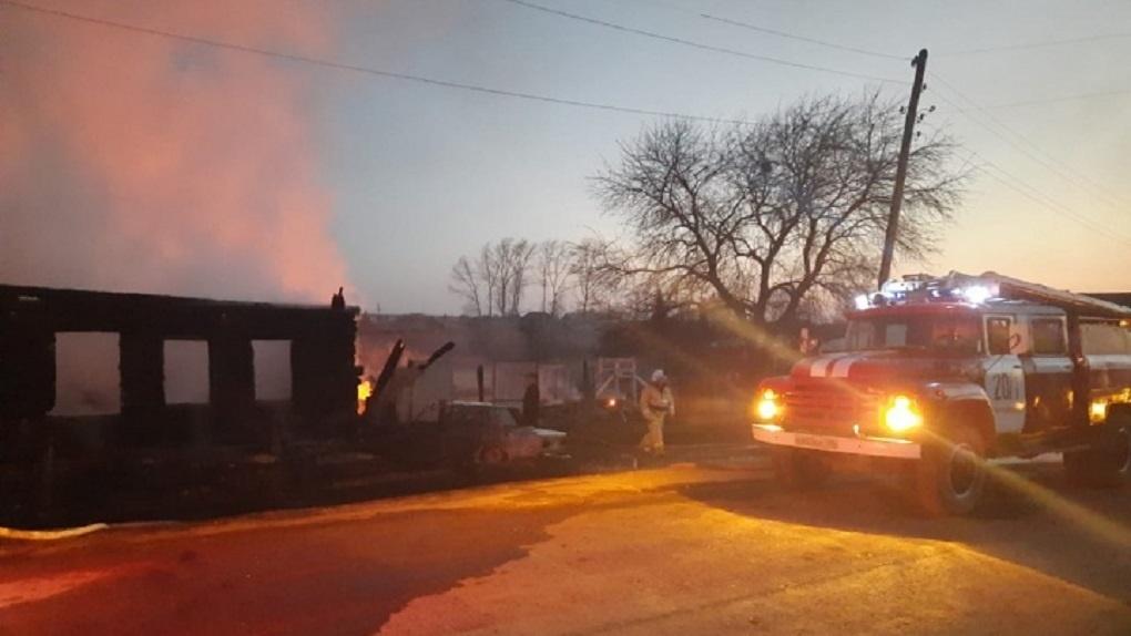 Во время пожара в доме под Нижним Тагилом погибли четыре ребенка