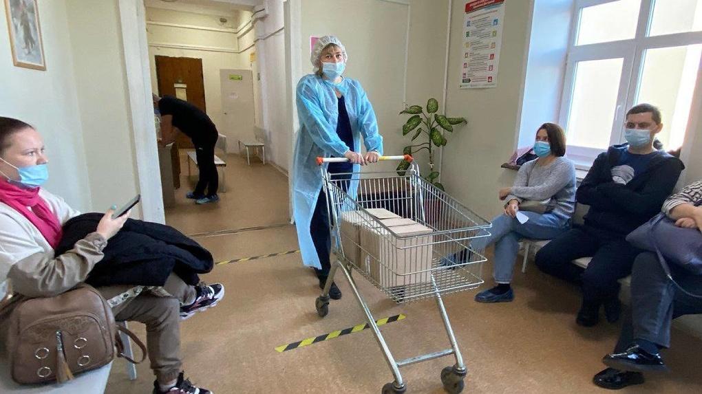 Депутат начал доплачивать врачам Екатеринбурга за проведение вакцинации в нерабочее время