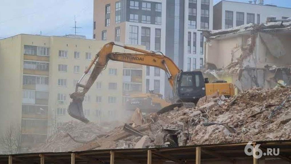 Уже завтра в Екатеринбурге будет некуда вывозить строительный мусор. Проблема коснется всех