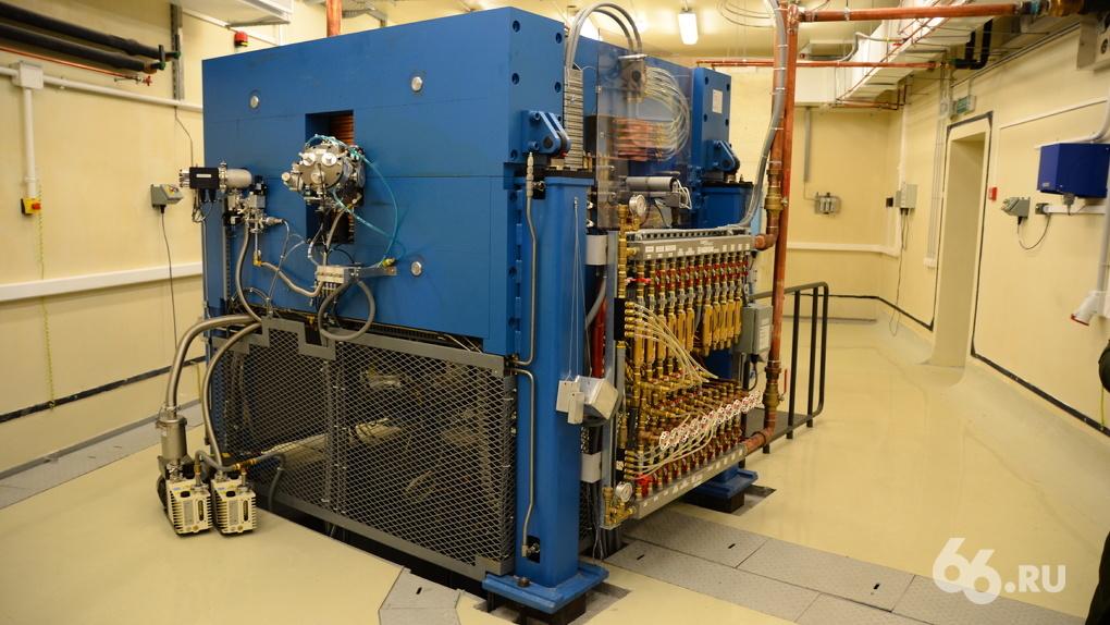 В УрФУ установили циклотрон за миллиард рублей. Он поможет спасти онкобольных от смерти