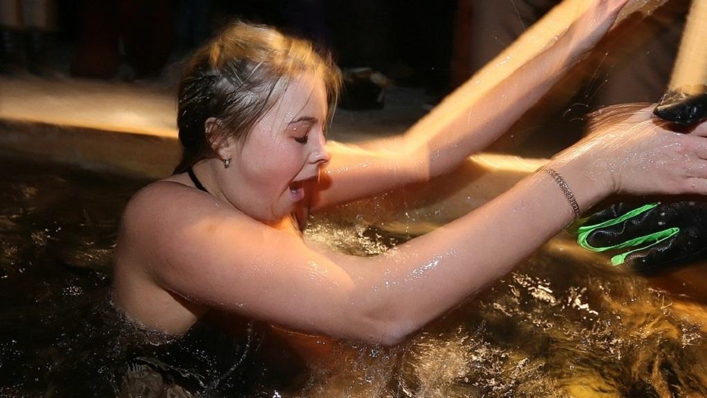 Из-за теплой зимы крещенских купелей будет меньше. Список мест, где можно окунуться