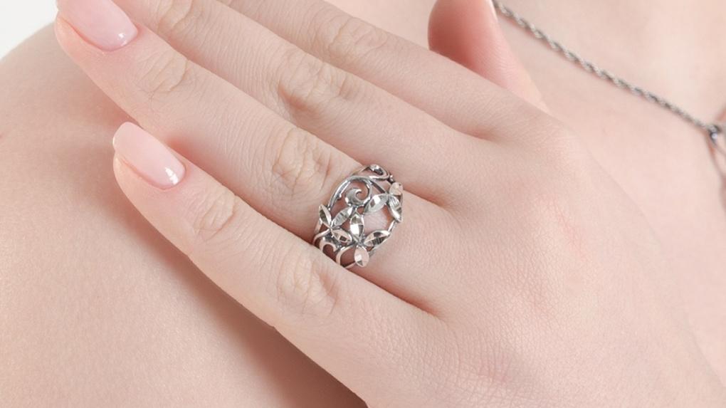 Особенности серебряных ювелирных украшений