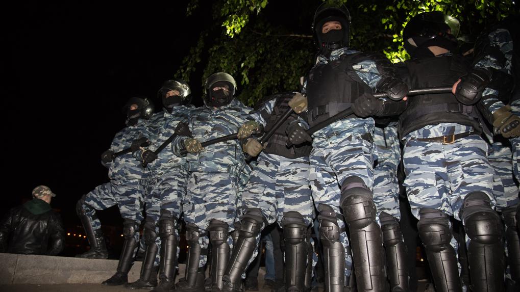 Госдума поддержала законопроект о расширении полномочий силовиков