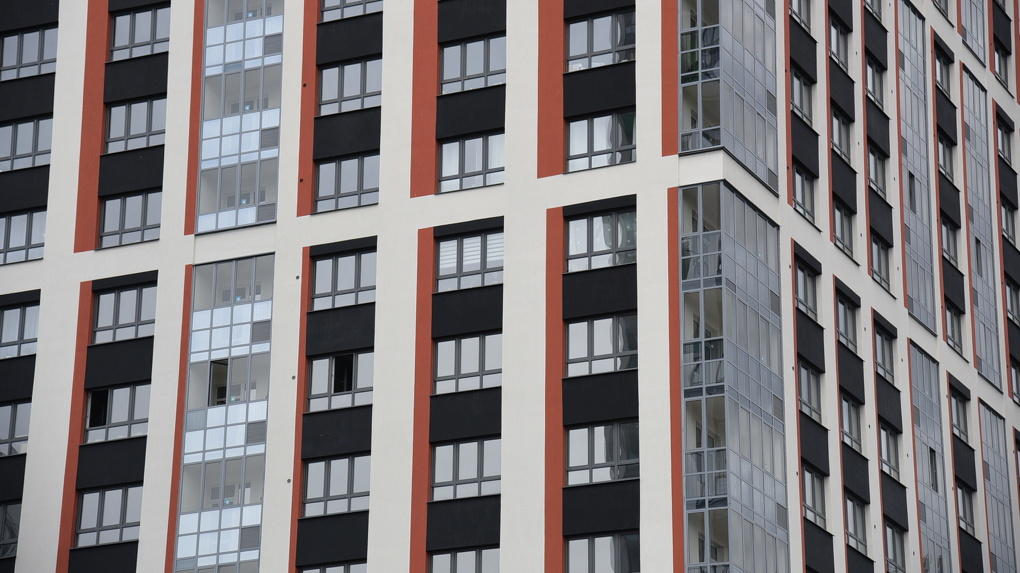 «Отказывают всем»: налогоплательщица заявила, что ФНС не возвращает переплаченные за квартиру деньги