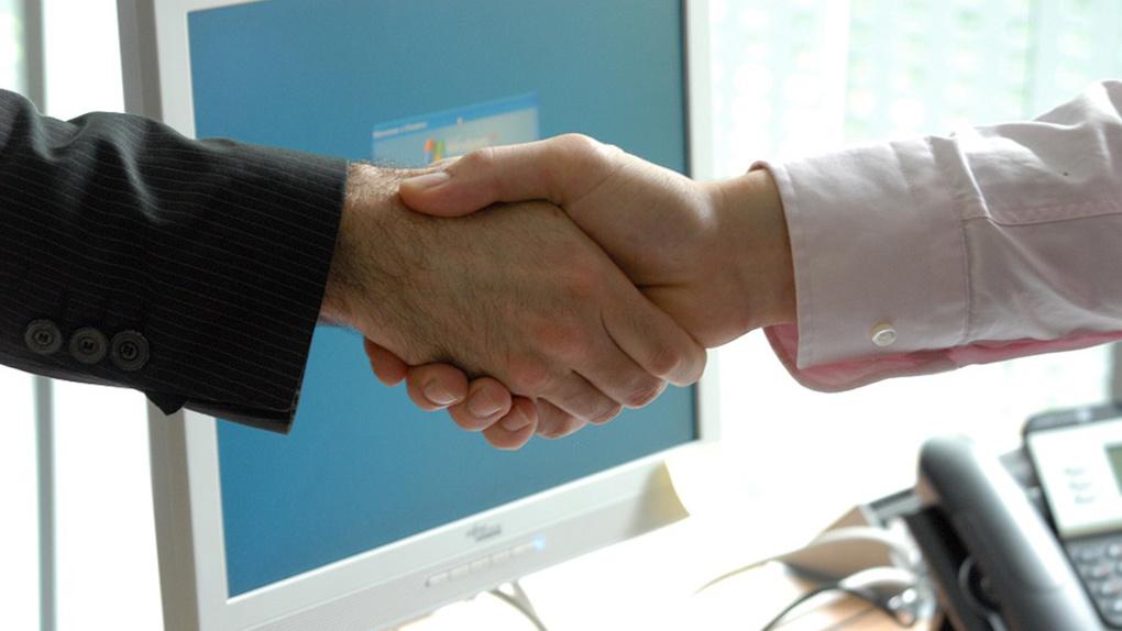 Умные гаджеты, дискуссии, соглашения о сотрудничестве. Как прошел «Иннопром-2021» для Сбера