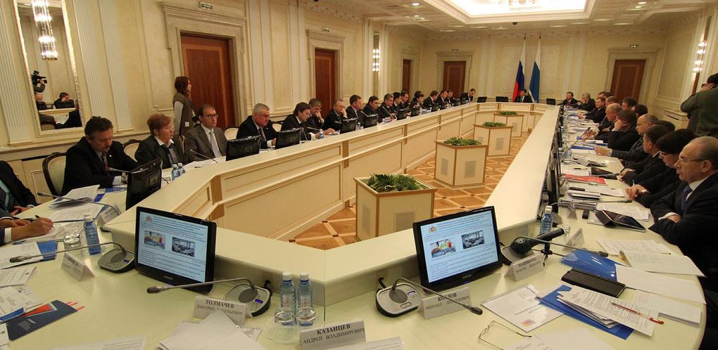 Высокинский — экономика, Кулаченко — финансы. Губернатор назначил себе замов в новом правительстве области