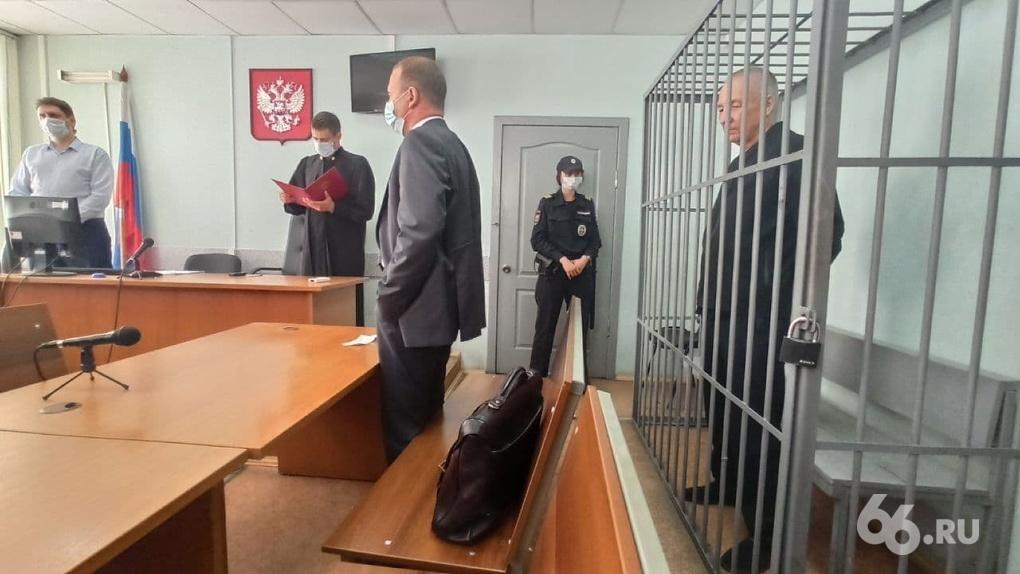 Следователи попросили суд перевести бывшего вице-мэра Виктора Контеева из колонии в СИЗО. Решение