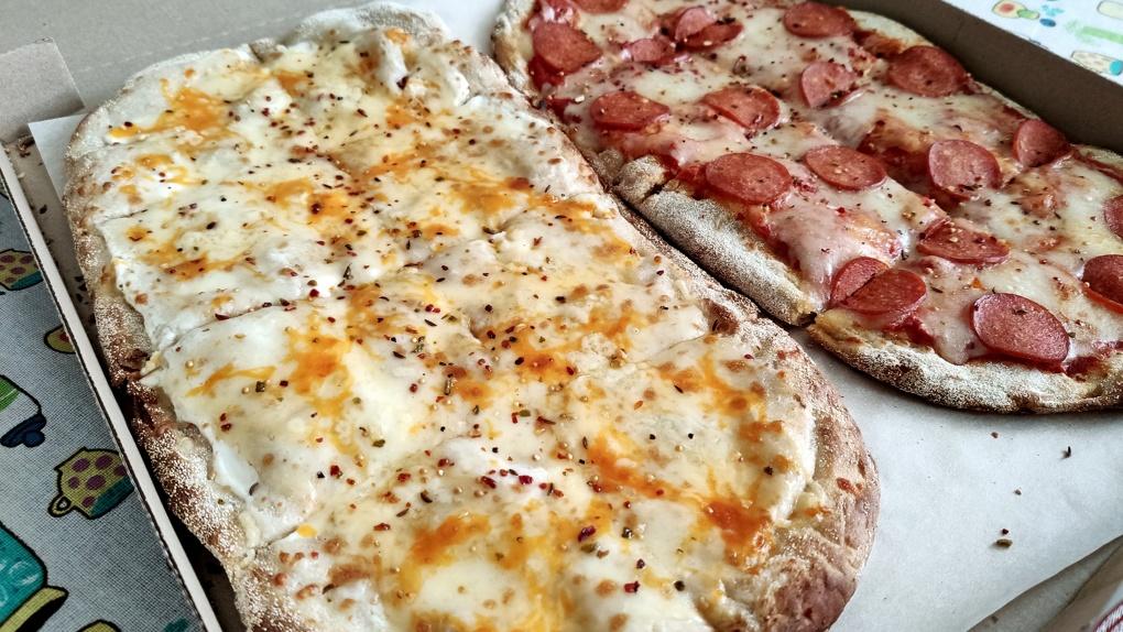 Первомайская пицца дедушки Мао: Яков Можаев заказывает обед в Home Pizza