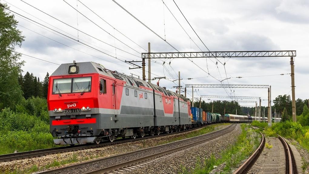 «Уральские локомотивы» получили сертификат соответствия на трех- и четырехсекционные электровозы «Синара»