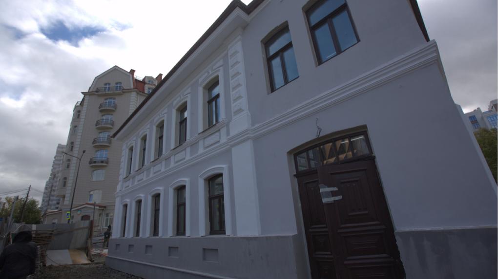 Сколько стоит восстановить старинную усадьбу в центре Екатеринбурга и поселиться в ней. Личный опыт