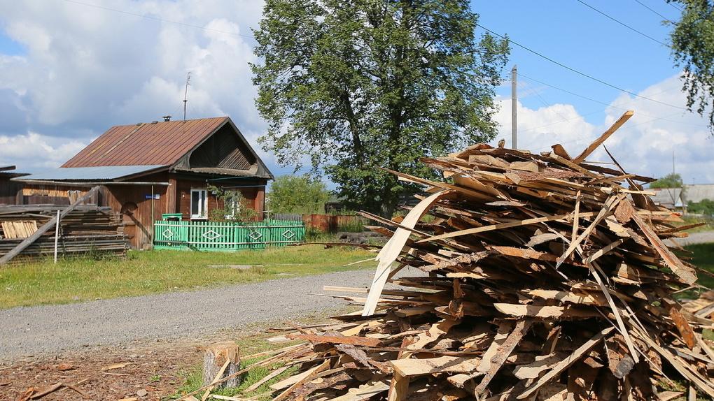 Многодетным семьям раздадут по 200 тыс. рублей, чтобы не выдавать земельные участки