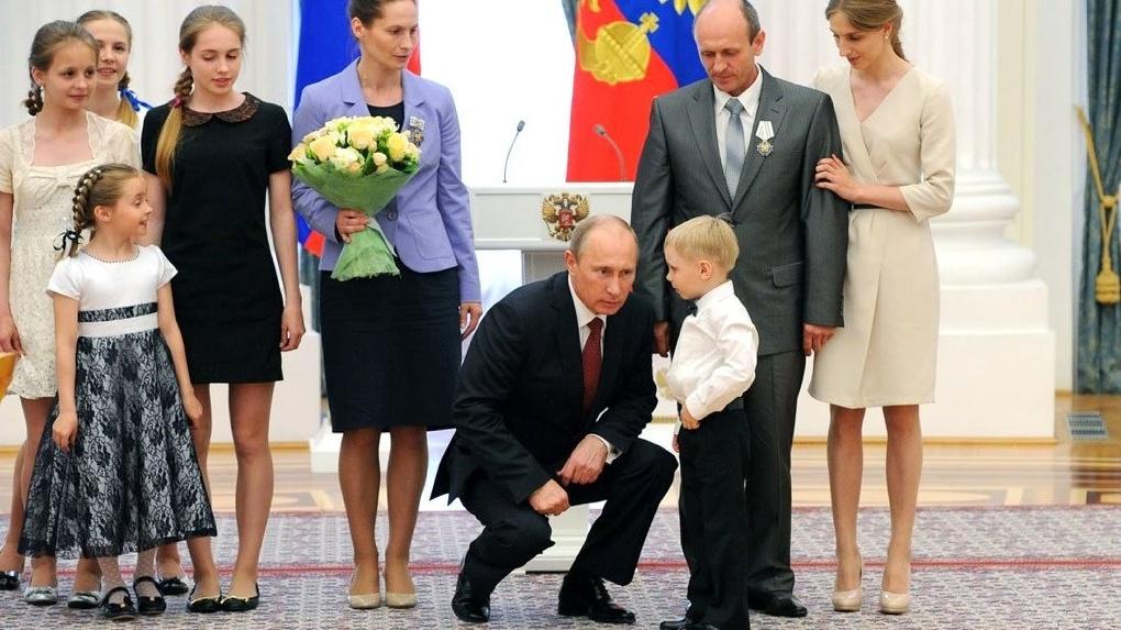 Калькулятор нового указа Владимира Путина: сколько, в итоге, получат семьи с детьми