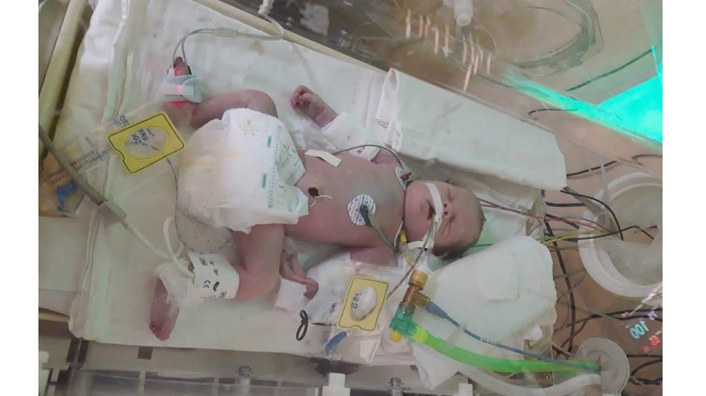 «Почему она лежит в земле?» Бабушка обвинила акушеров в халатности, повлекшей смерть новорожденной внучки