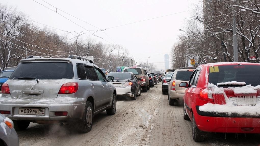 На трассе Екатеринбург — Челябинск на два месяца ограничат движение