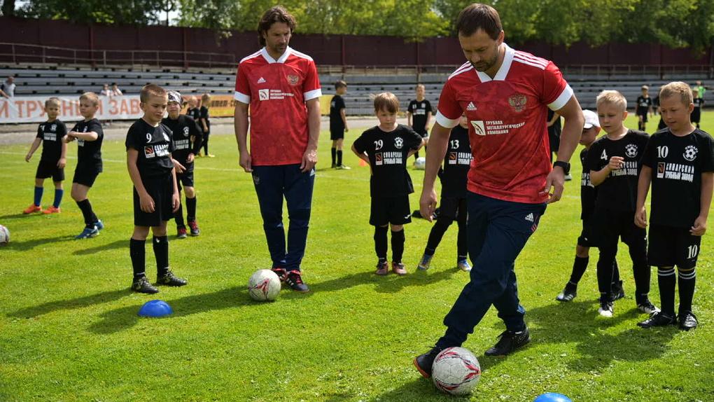 В Каменске-Уральском появился арт-объект в поддержку российской сборной по футболу