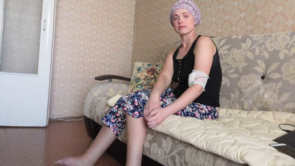 На Урале мать пытается спасти онкобольную дочь, которой вместо опухоли лечили гематому