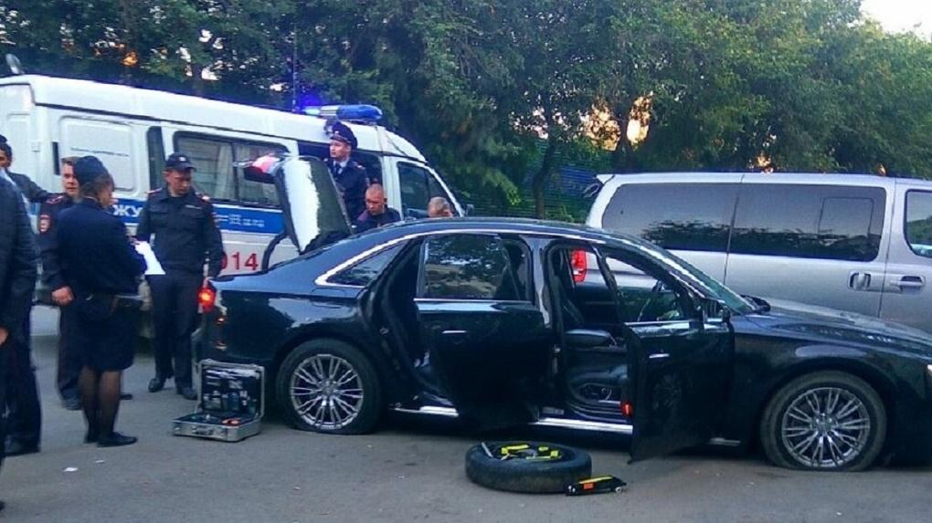 Нападавшие на Audi охотились за черным налом армянской диаспоры. Деньги везли с овощебазы в церковь