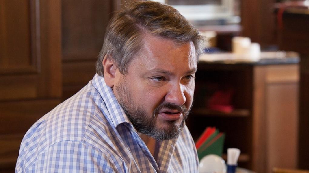 «Поглядим, как власть соблюдает Конституцию». Антон Баков подал в суд на депутатов из-за названия региона