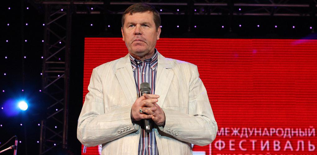 Шансонье Александр Новиков из ОАЭ подал иск против собственной компании