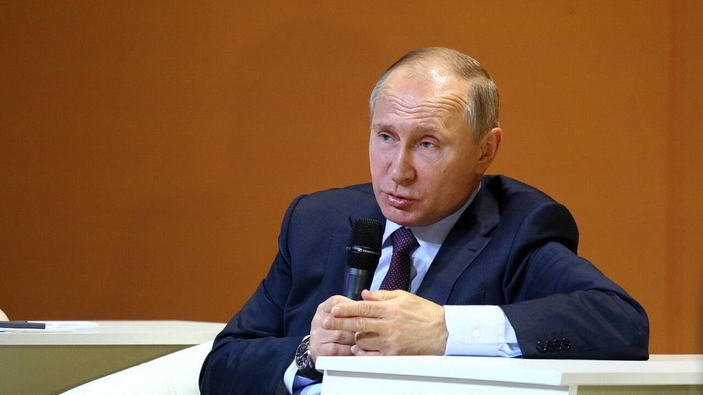 Гонка губернаторов: кто быстрее всех нашел потерянные выплаты врачам после жалобы на прямой линии Путина