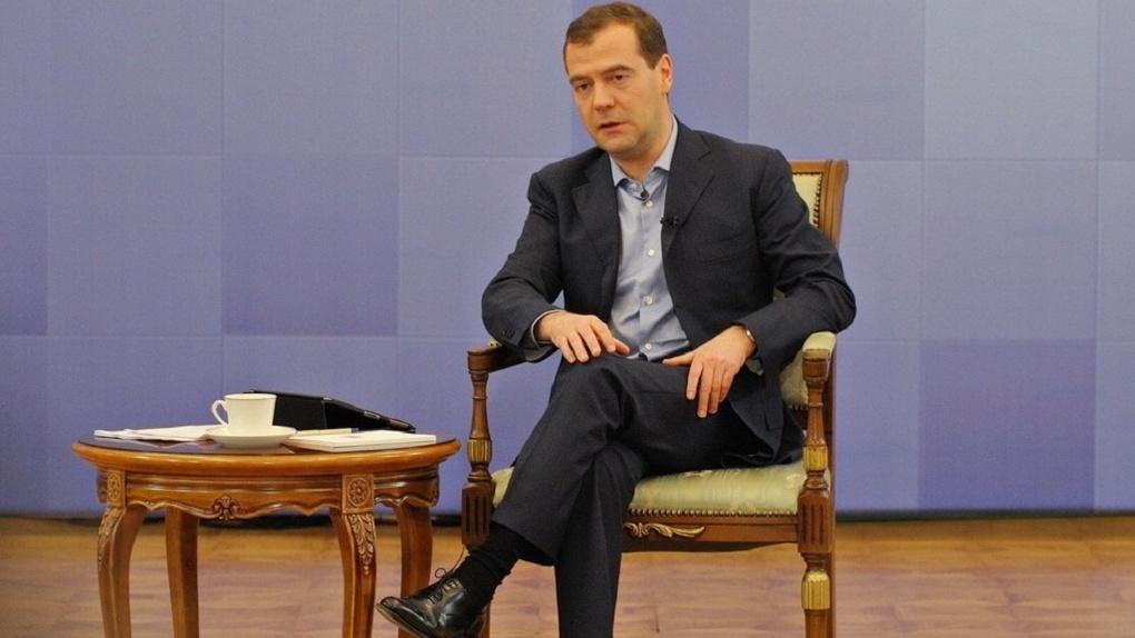 Медведев предупредил граждан России, что последний президентский срок В.Путина будет тяжелым