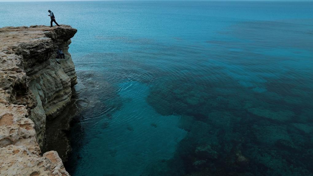Кипр начнет без ограничений пускать туристов с прививкой от COVID-19