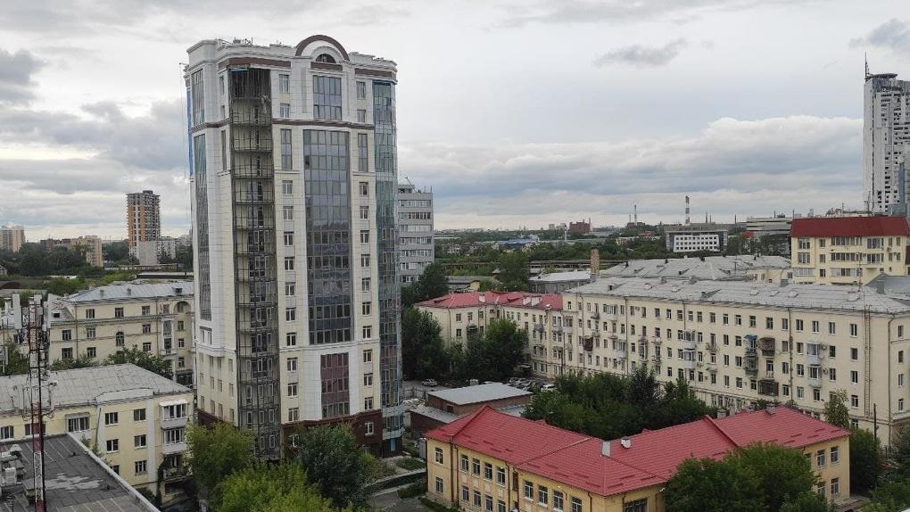 Государство, застройщик и банк не могут решить, как достроить ЖК «Да Винчи» в центре города. Три варианта