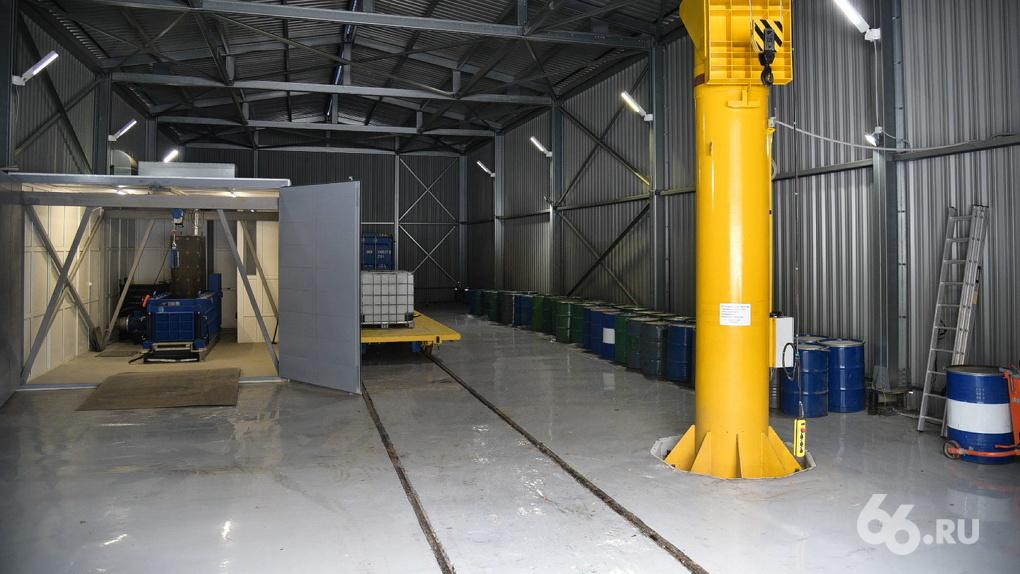 В хранилище под Екатеринбургом лежат пять тысяч кубов ядерных отходов. Зачем атомщики его расширяют