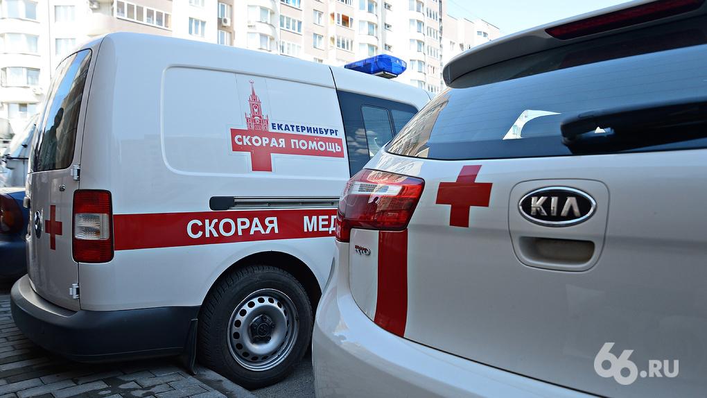 Всем сотрудникам скорой помощи в Свердловской области повысят зарплаты из-за коронавируса