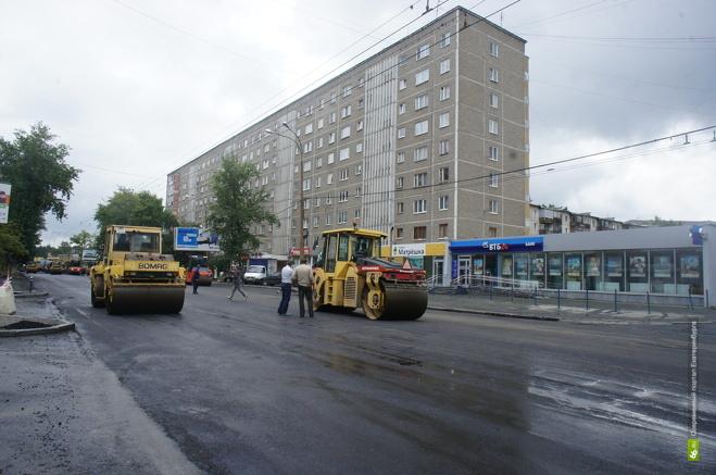 Дорожникам, уложившим асфальт на Сулимова в дождь, не заплатят