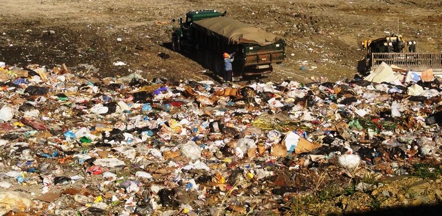Обречены утонуть в мусоре: городские свалки будут расти, пока не сожрут всю свободную землю