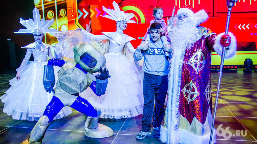 COVID-19 убивает праздник. В новогодние каникулы в Екатеринбурге не будет ледового городка и детских елок
