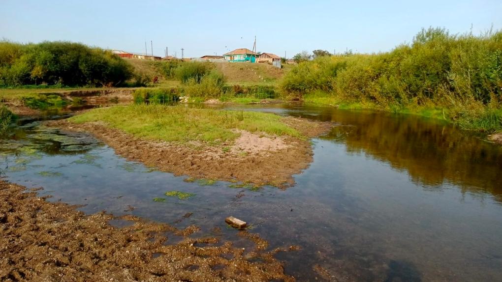 Из-за аномальной жары на Урале обмелели реки. Это может вызвать трудности с водоснабжением