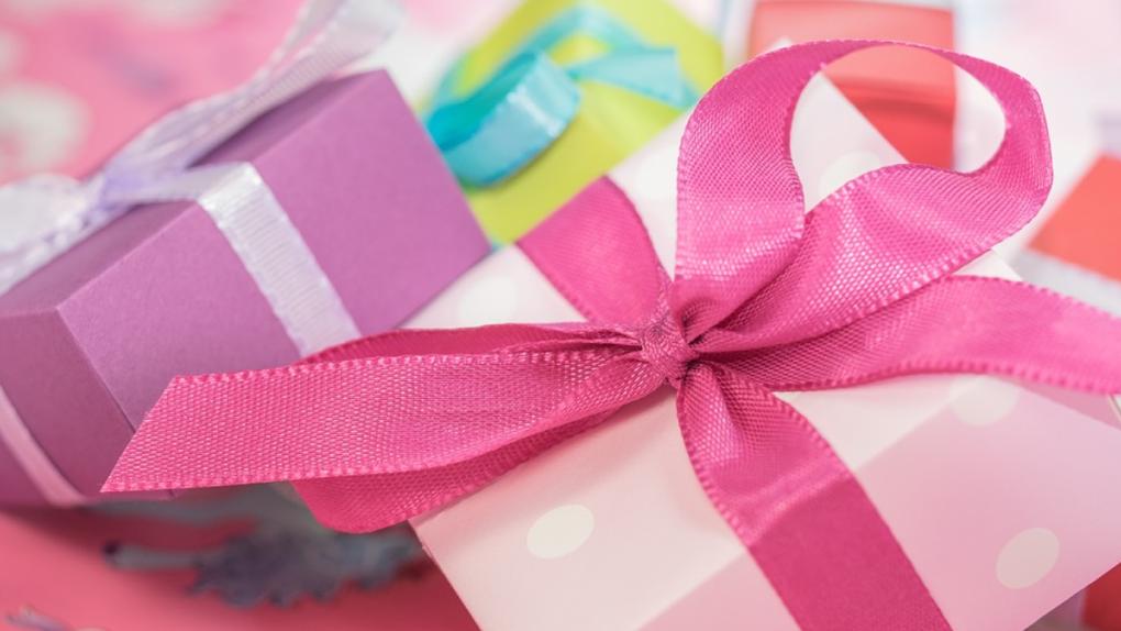 Компании чаще поздравляют с гендерными праздниками женщин, чем мужчин