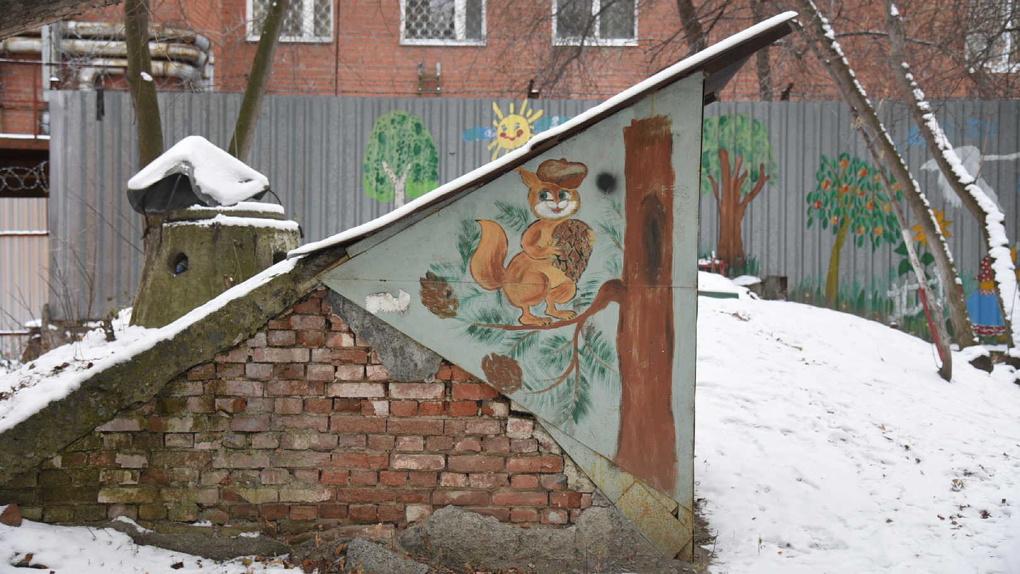 Екатеринбургу надо срочно реконструировать центр. Фоторепортаж из запущенных дворов вдоль улицы Вайнера