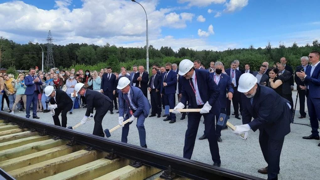 Глава Минстроя РФ дал старт строительству трамвайной ветки в Академический. Когда ее сдадут