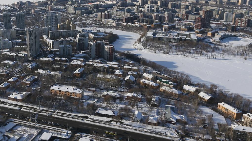 «Завтра пятиэтажки посыпятся, как карточный домик». План реновации Екатеринбурга от Валерия Ананьева