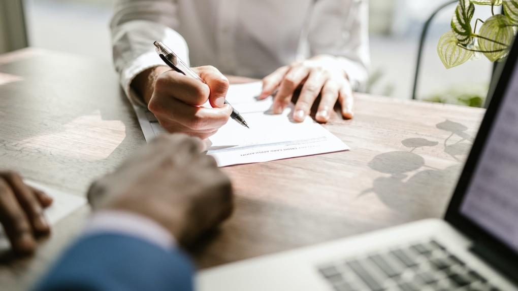 ВУЗ-банк и УБРиР объединяют офисную сеть