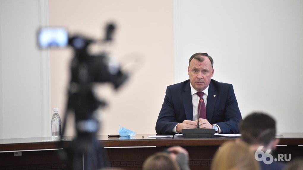 Алексей Орлов обещал, что кадровых чисток не будет, но уже сменил большинство своих замов. Кто эти люди