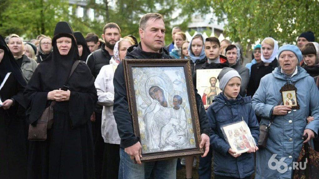 «Верующие чувствуют себя униженными». Интервью с Оксаной Ивановой — новым лидером борьбы за храм в сквере