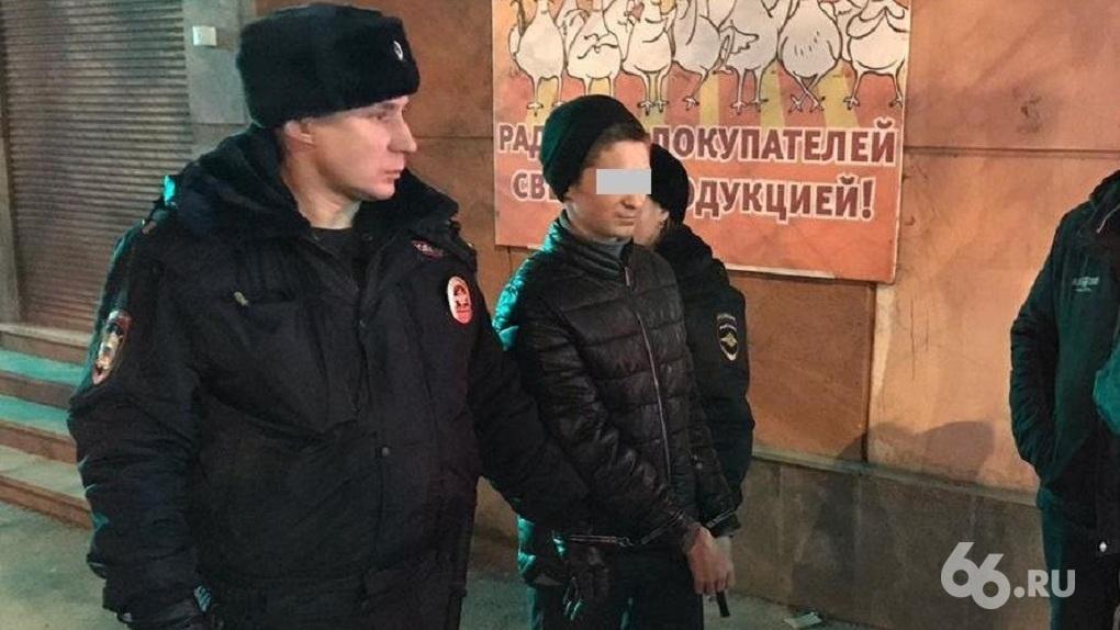 Студента колледжа, обвиняемого в убийстве 15-летней девочки на Уралмаше, отправили в СИЗО