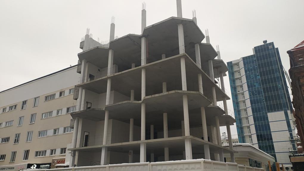 Заброшенный Екатеринбург: топ-10 зданий, которые не могут ни достроить, ни снести