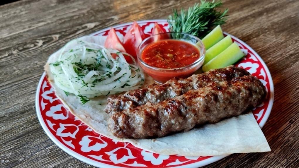 «Узбечка» здорового человека: Яков Можаев ужинает в «Нигоре»