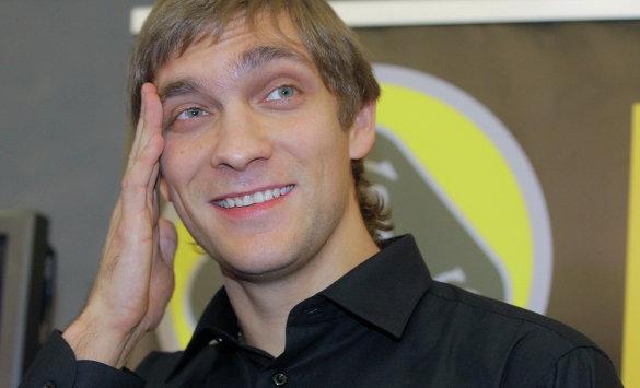Виталий Петров все-таки выбыл из гонки