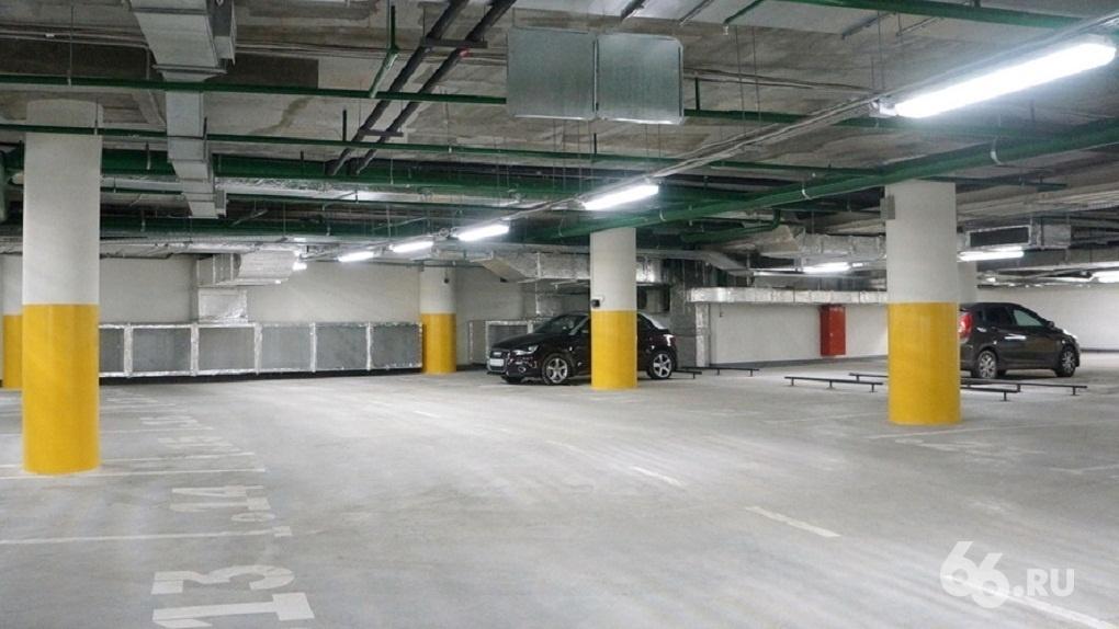 УГМК хочет построить у будущей ледовой арены паркинг на 600 мест. Планам угрожает метро
