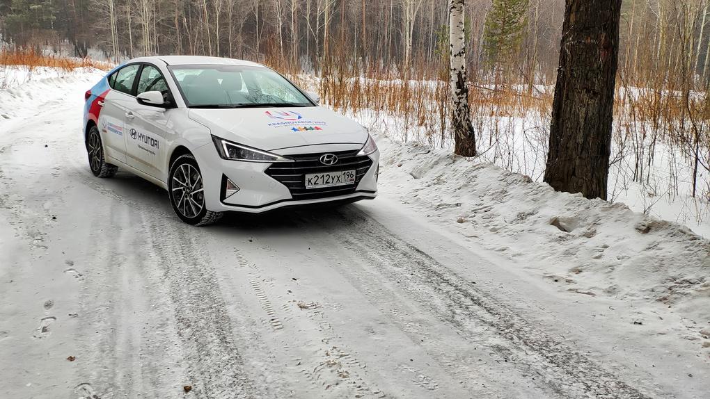 Hyundai обновил Elantra. Хотя никто вроде не просил