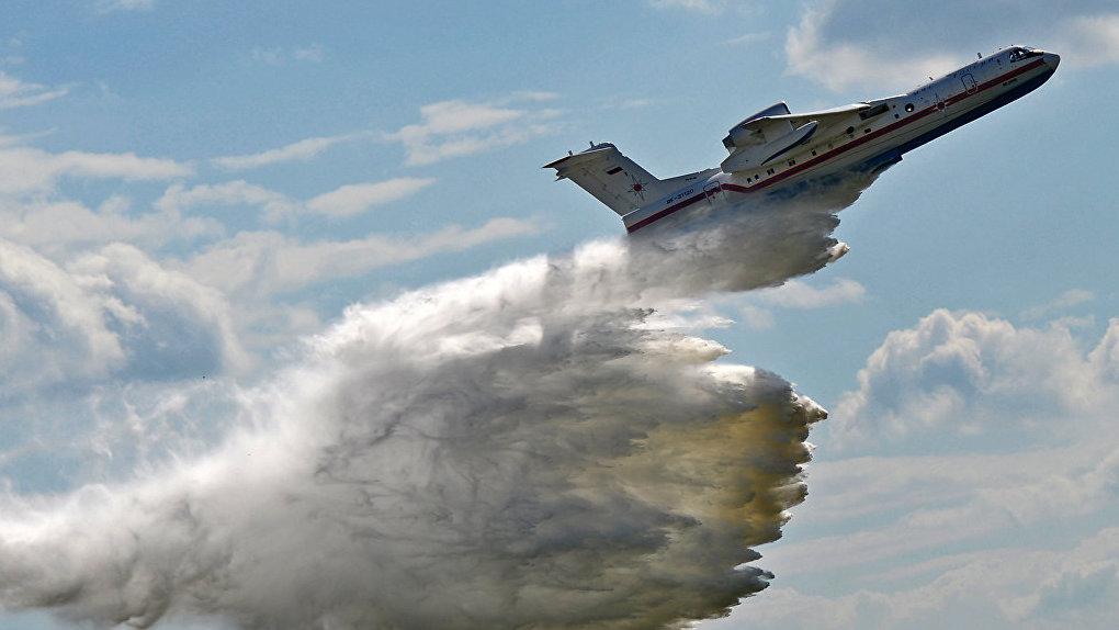 Для тушения лесных пожаров в Екатеринбург направили самолет-амфибию