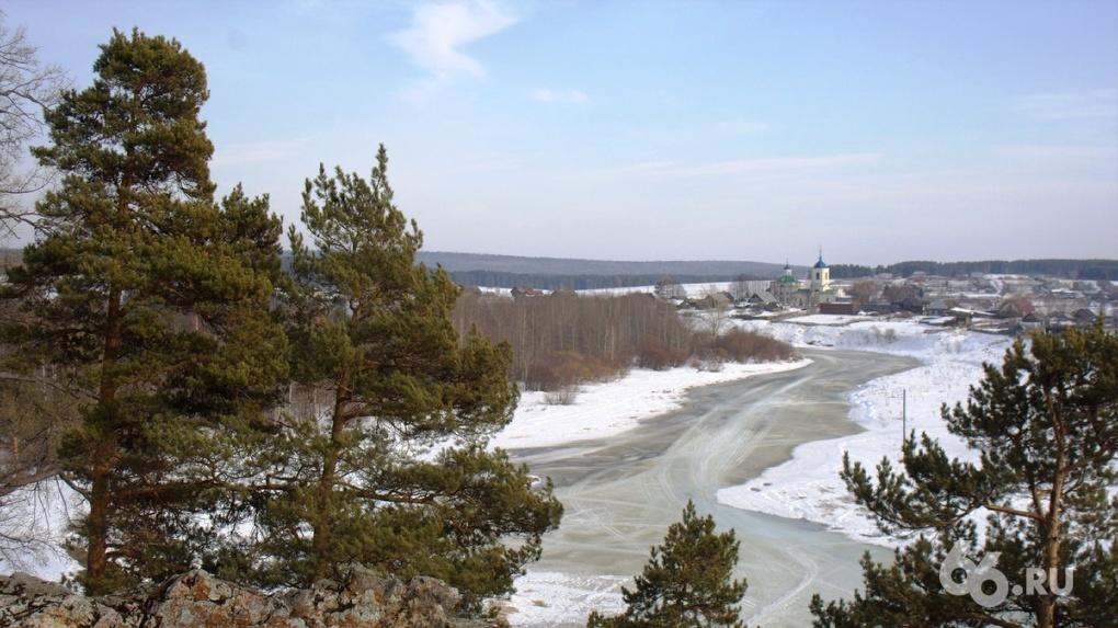 Свердловская ГИБДД выступила со спецобращением к водителям из-за снегопадов