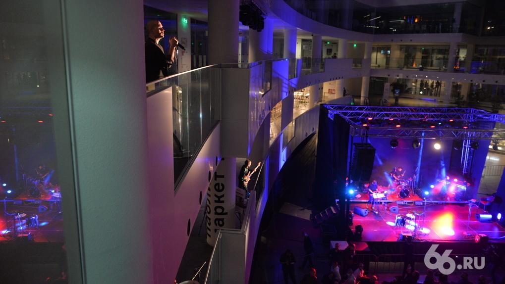 Хедлайнеры заняли три этажа Ельцин Центра. Фоторепортаж с музыкального фестиваля New/Open
