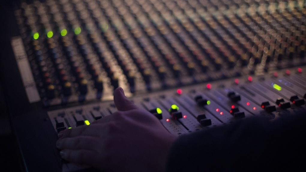 Музыкальное радио: кто оставил самый жирный след в его истории